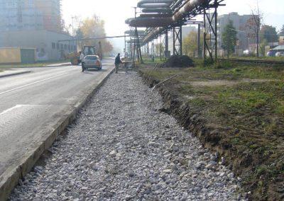 2011-aut-zastavka-za-drahou-RK02