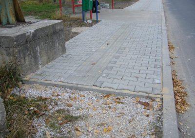 2011-aut-zastavka-za-drahou-RK07